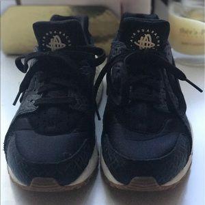 Nike Huarache Air black